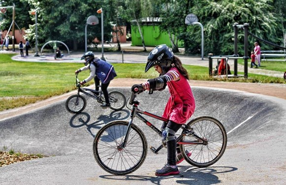 TfL and The London Marathon Charitable Trust award funding to diverse community groups to help make walking and cycling more accessible for all